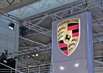 保时捷与科技巨头合作,以提高汽车销售量