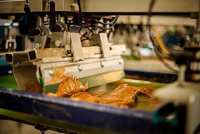 丝印玻璃的工艺流程是什么?丝印玻璃油墨调色要注意哪些?