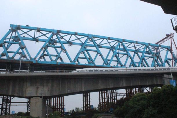 ?钢桁架分类、焊接要点、吊装原则及质量控制措施