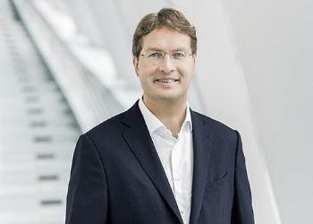 """戴姆勒新CEO康林松将开源节流67.5亿美元成本,以推进""""昂贵""""的电气化战略"""