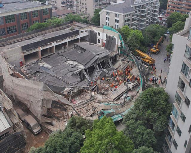 上海市长宁区昭化路厂房墙体倒塌事故,5人死亡,救出十几人!