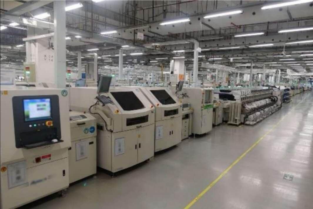东莞松山湖华为南方工厂手机生产线探访,生产一切正常!