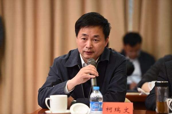 中国电信委任柯瑞文为公司董事长兼首席执行官,于5月22日生效