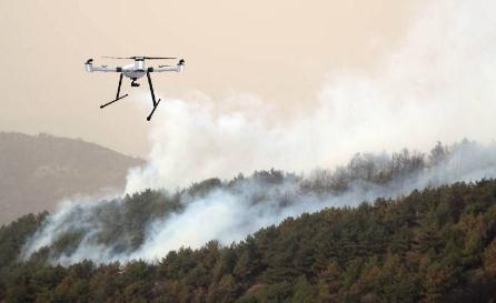 直升机放火,无人机围观:只为改进预测山火浓烟扩散的模型