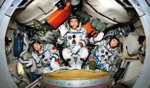 宇航员工资是多少?揭密美国、俄罗斯宇、中国宇航员的工资差异