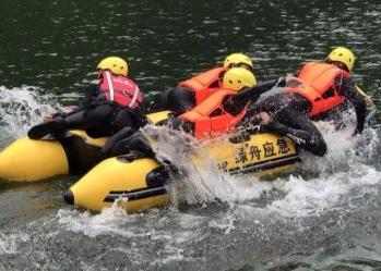 我国长江流域首次引入智能机器人保障汛期三峡电力外送