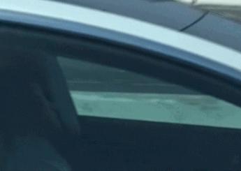 特斯拉Model 3高速行驶司机竟然睡着了,自动驾驶狂奔30英里