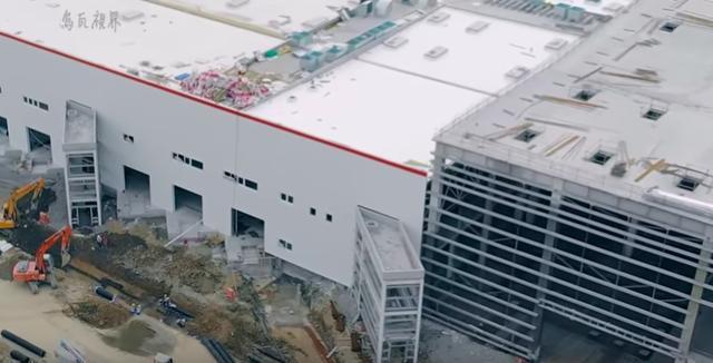 特斯拉上海工厂建筑已经完工,开始安装电动车生产线设备