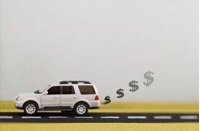 国内汽车销量下滑愈演愈烈 政策持续有望促进汽车消费升级