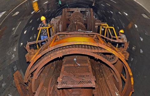地铁隧道盾构施工内容、关键技术及安全控制措施研究