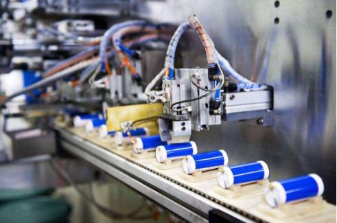 宁德时代:拟投资不超18亿欧元扩大欧洲电池生产研发基地项目投资规模