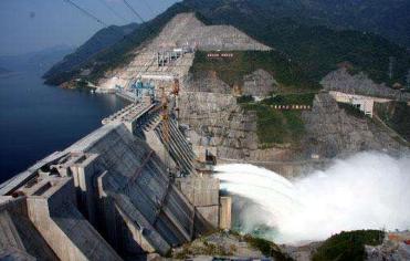 2018年中国储能行业抽水储能占据主导地位 电化学储能应用最广泛