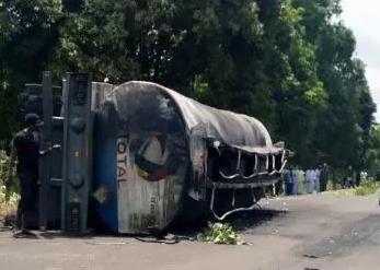 尼日利亚贝努埃州发生油罐车爆炸事件,致48人死亡,90人受伤