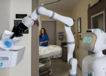 多家医院为应对护士数量短缺问题,从而引入机器人助手Moxi