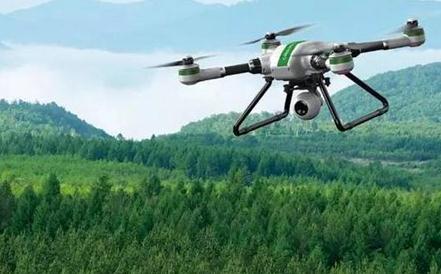 植保无人机解决橡胶树病虫害防治难题,橡胶林飞防每亩只需10块钱