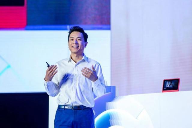 李彦宏《人民日报》发文:推动新一代人工智能健康发展