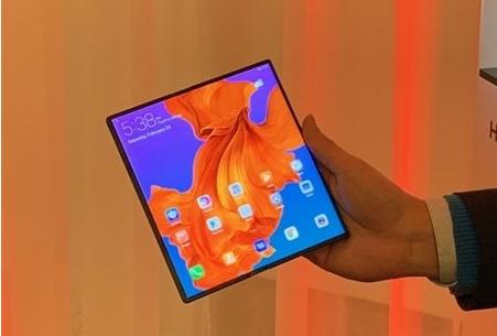华为首款5G折叠屏手机获入网许可,或于8月份发布