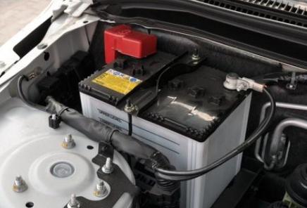 十大汽车蓄电池品牌,汽车蓄电池的作用、使用寿命、选购技巧