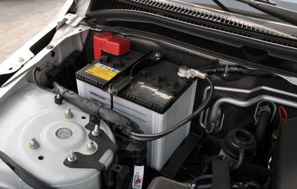 汽车电瓶如何充电?如何正确使用汽车电瓶