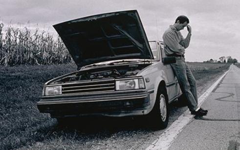 汽车抛锚一般是哪些原因?如何紧急应对?