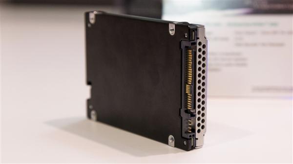 东芝研制PLC闪存:主控带32组电压、寿命堪忧