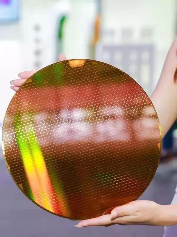 从紫光集团中报看中国芯片产业之难