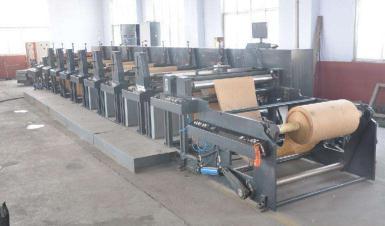 柔印机械之封闭式刮刀与清洗机构的改善