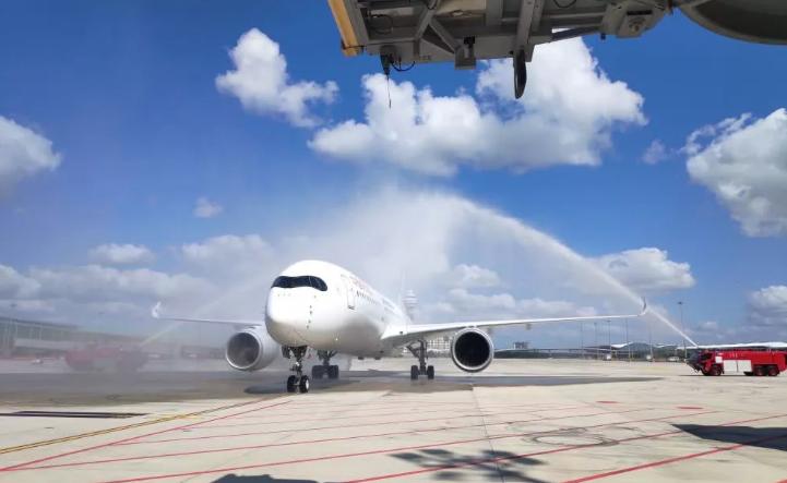 世界最大单体机场卫星厅启用,新增90个登机桥位