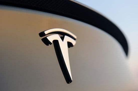 特斯拉Model 3配備噪音示警,行人預警系統將成汽車標配?