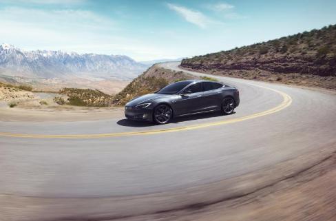 特斯拉的Model S该从保时捷Taycan身上学到些什么?