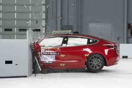 """?特斯拉Model 3获美国高速公路安全保险协会(IIHS)""""最高安全评级"""""""