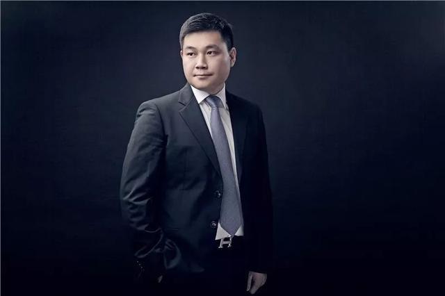 85后江蘇首富嚴昊,2019胡潤百富榜第九名,父親嚴介和被稱中國第一狂人!