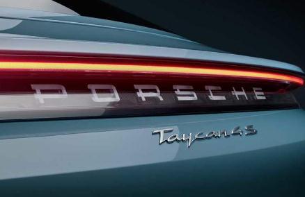 保时捷Taycan 4S起售价114.8万元,揭密其参数配置与特点