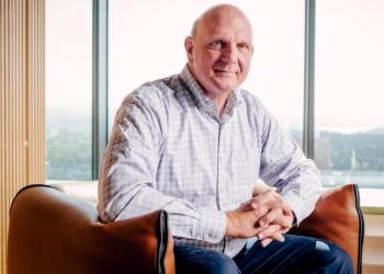 微软前任CEO史蒂夫·鲍尔默:因智能久久影院战略失利与比尔·盖茨产生不和