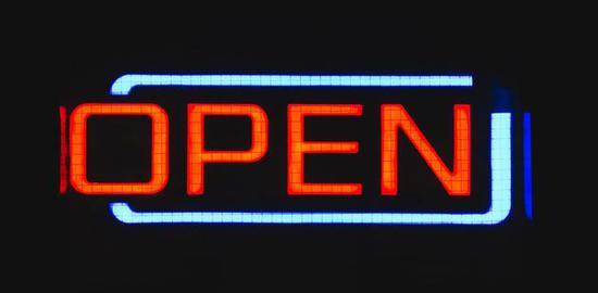 开源:从社区到商业化——30多年开发人员彼得·莱文的演讲