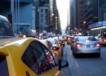 """Uber开启第三轮裁员行动,网约车难逃""""巨亏魔咒"""""""