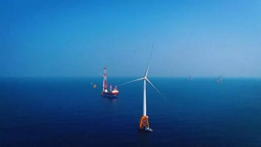 中广核新能源阳江南鹏岛海上风电项目首台5.5MW风机正式并网发电