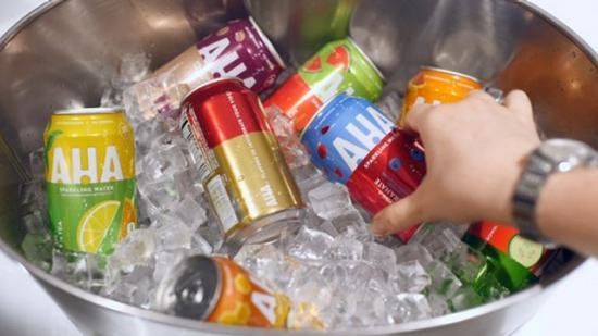 可口可乐推出新气泡水品牌 AHA,有8 种混合口味
