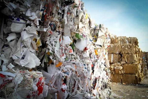 """日本废纸无处可去企业被迫改弦更张,东南亚拒当""""洋垃圾场"""""""