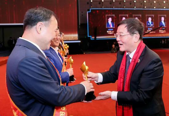 蔚星科技耀出行将扎根杭州定制高端接送服务