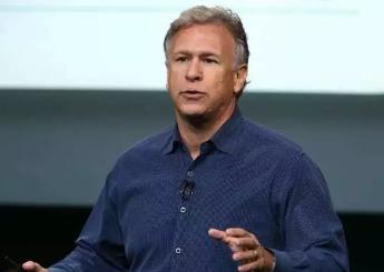 """苹果副总裁菲尔-席勒抨击谷歌笔记本电脑:使用谷歌电脑的学生""""不会成功"""""""