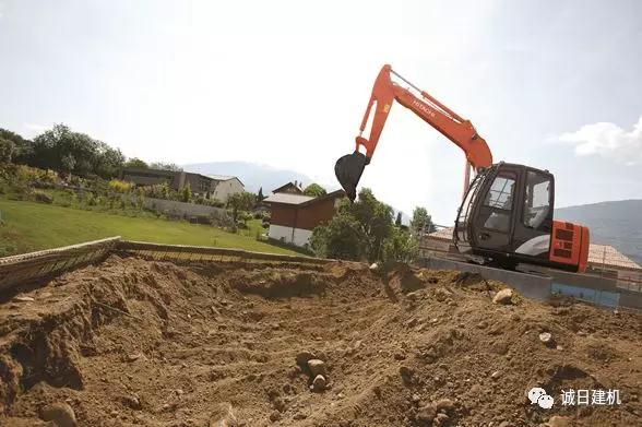 挖掘机冬季维护保养技巧与误区