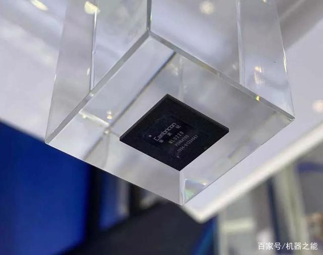 寒武纪发布发布边缘端AI芯片思元220,功耗仅10W