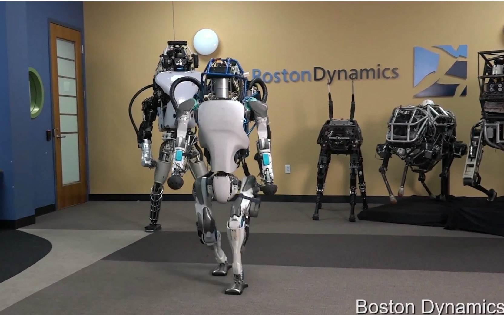 波士顿CEO马克·雷伯特:Spot机器人目前只租不卖,租金每月几千美金