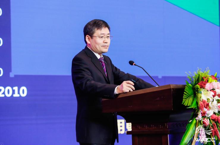 ?浪潮集团首席科学家王恩东:计算力成为生产力的最根本发展要素