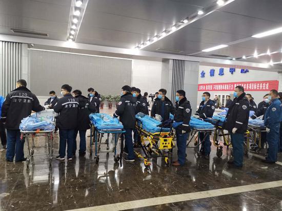 山东能源肥矿集团梁宝寺煤矿火灾事故11人被困全部获救
