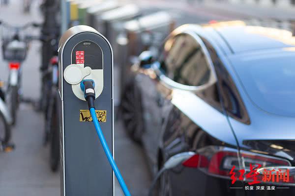 ?我国首批新能源车电池报废高峰来临:换电池确还不如换辆车?