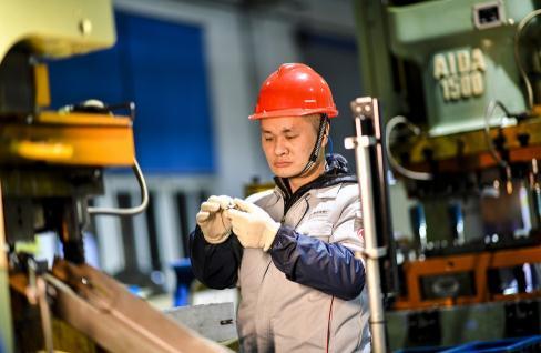 东风有限装备公司通用铸锻厂预计全年营收1亿元