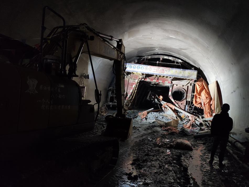 云南临沧隧道沧突泥涌水事故共造成7人遇难,5人失联
