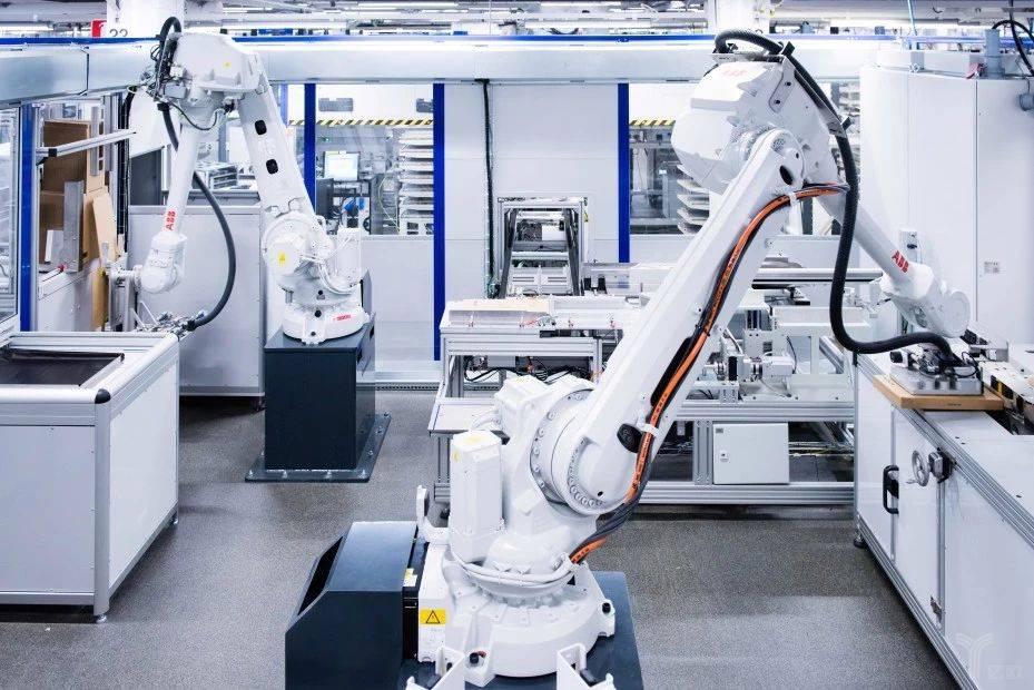 未来工厂:机器人、5G、AI自动化和100人的协奏曲